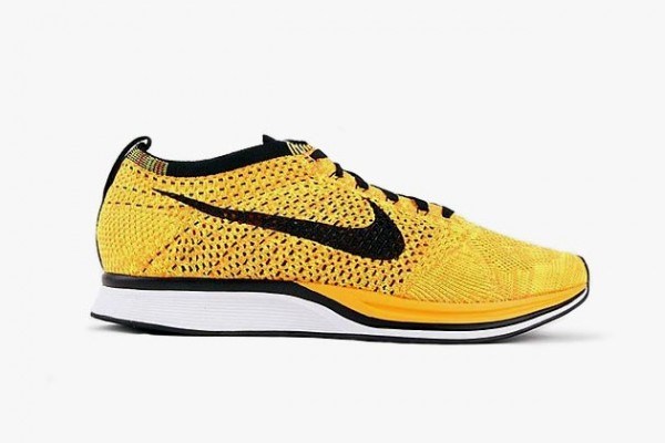 nike-flyknit-racer-yellow-black-white-01