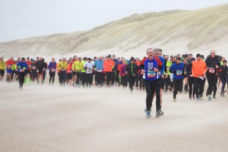 10-01-2016: Atletiek: Saucony Egmond halve marathon: Egmond No Caption found Egmond weekend 2016