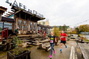 Rennen door de NDSM-Loods tijdens eerste Amsterdam Urban Trail