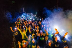 We gaan de duisternis in tijdens de Amsterdam Night Run